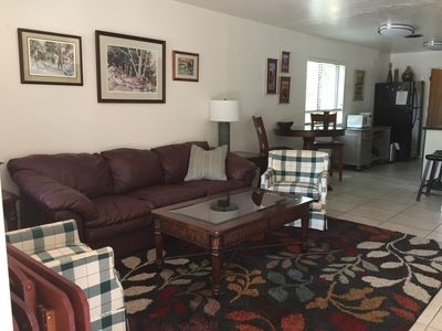 Quiet, cute and 1.3 miles from downtown. This unit is cozy and pet friendly