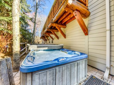 Photo for Quiet townhome w/private hot tub and walking distance to River Run! Dogs ok!