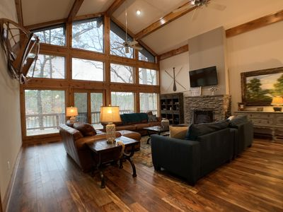 Magnificent Lakeside Lodge In Holly Lake Ranch - On the Lake!