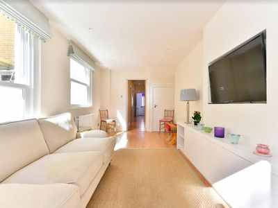 Photo for Lovely Light House + Large Patio in Ladbroke Grove