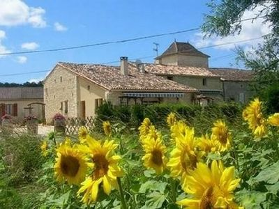 Photo for Gite with pool in the Dordogne in a very nice cottage of 10