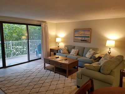 Photo for 2 Bed, 2 bath newly remodeled Condo, ocean side with pool