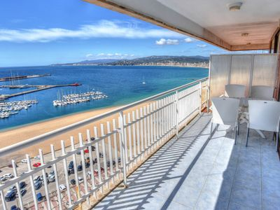 Photo for BEAUTIFUL MODERN FLAT, WITH INCREDIBLE VIEWS TO THE SEA AND TO THE BAY OF PALAMÓS