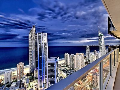 Photo for CIRCLE ON CAVILL SUB PENTHOUSE LEVEL 48