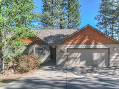 Photo for 17051 Upland - Come stay at the most luxurious home at the best price on the Big Deschutes River!