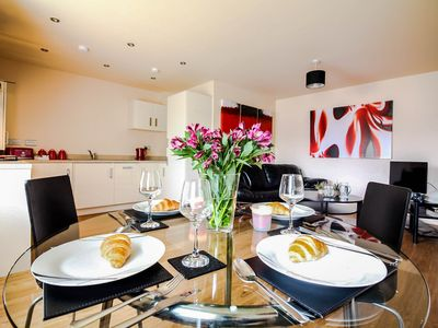 Photo for The Windsor - Luxury Apartment Located In Central Location