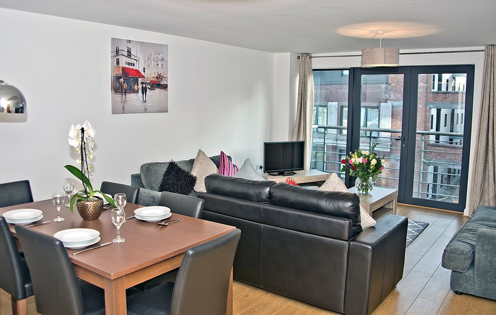 Luxurious Two-Bedroom Apartment in a central location