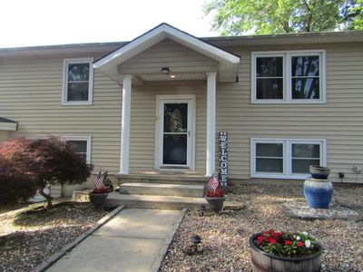 Photo for Lakeview Family Home Getaway, Near Bridge, Great Location!