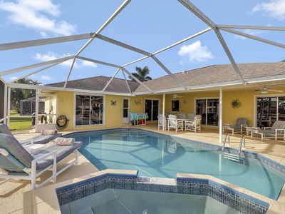 Photo for Awesome 3 bed pool home, waterfront in Cape Coral