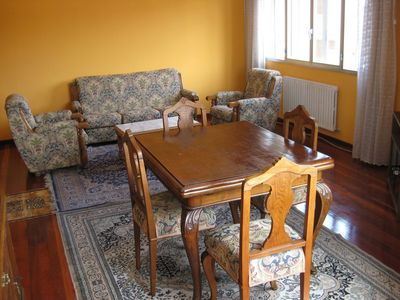 Photo for Close to the train and bus stations Pontevedra, spacious and sunny apartment