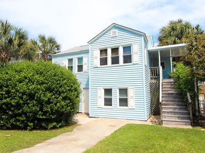 Photo for Charming, dog-friendly beach house condo