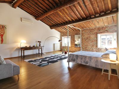 Photo for Relax & comfort just 9km from Lucca: Wi-Fi, Garden & Parking