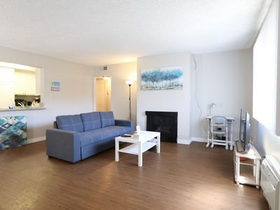 Photo for 2Br+2Ba w.free parking/3 min to Everywhere Arcadia