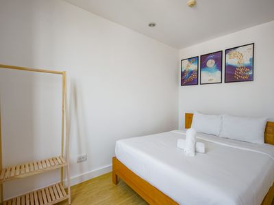 Photo for Son&Henry - Brandnew 3BR Cozy modern Apartment, Rooftop Pool, CBD, @BenThanh