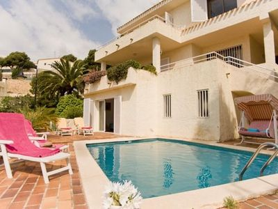 Photo for 3 bedroom Villa, sleeps 6 in Altea la Vella with Pool, Air Con and WiFi