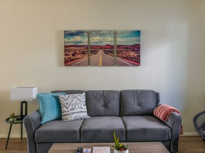 Photo for Stunning 2BR Apt in Nob Hill