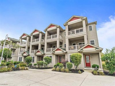 Photo for Wildwood Square Townhouse - Close to Beach & Boardwalk, Gated Community w/ Pool
