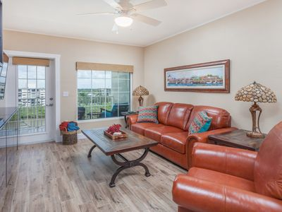 Photo for Beautiful Top Floor 1 Bd/1 Ba Waterfront End Unit, 2 Free Daily Waterpark Passes