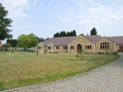 Photo for MANOR HOUSE, family friendly in Chesterfield, Ref 904429