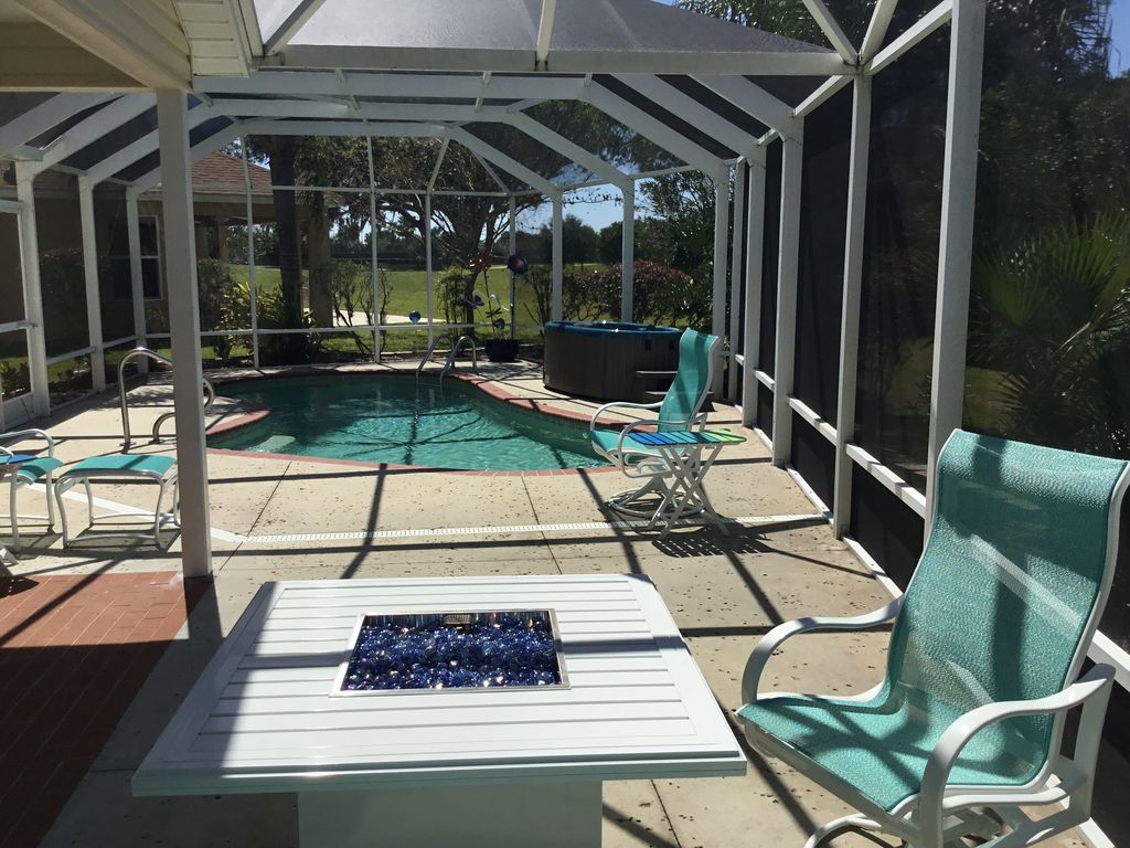 Stunning Private Designer Home: Pool, Spa, Golf View, Walk to Square -  Virginia Trace