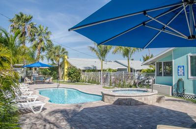 Fenced private saltwater pool and jacuzzi