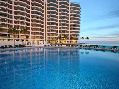 Photo for Luxury Ground Floor Condo steps to Beach and Pools