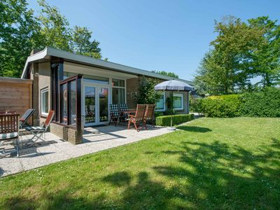 Photo for Cottage, including Wi-Fi, 6 people, Park De Banjaard, close to the beach