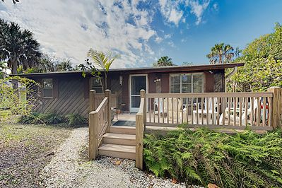 Exterior - Welcome to Sanibel Island! This cottage is professionally managed by TurnKey Vacation Rentals.