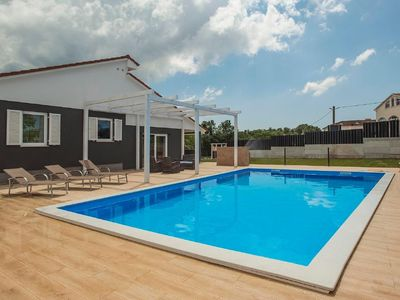 Photo for Holiday house Kanfanar for 6 - 8 persons with 3 bedrooms - Holiday house