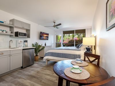 Photo for Gorgeous Maui Banyan Studio Newly Remodeled - Steps to Beach!