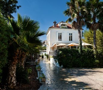 Photo for Provençal villa in Cap d'Antibes very close to the beach