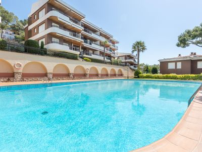 Photo for 4 bedrooms apartment close to the beach