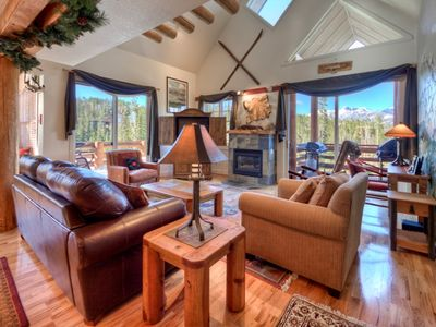 Ski-in/out 4BR + Bunk Rm Saddle Ridge/Hot Tub/Ski-in/Out/Amazing Views/Hot Tub