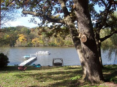 5 STAR Sprawling Rock River LAKEFRONT HOME! SandyBeach, Firepit, Grills, Playgrd