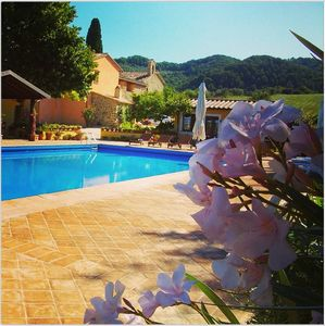 Photo for Ideal Umbrian Retreat For Reunions: Enjoy Peaceful Countryside And Walk To Shops