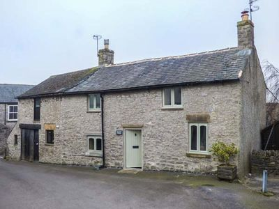 Photo for Kempshill Cottage, TIDESWELL