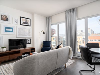 Photo for Beautiful 1BR in Quartier des Spectacles by Sonder