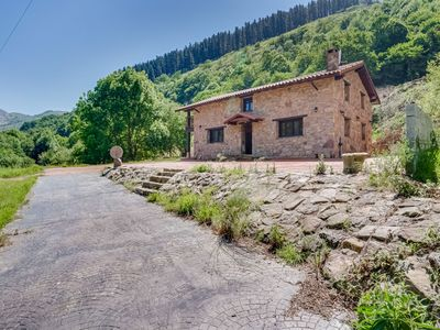 Photo for Rustic Holiday Home in Merilla with Valley View