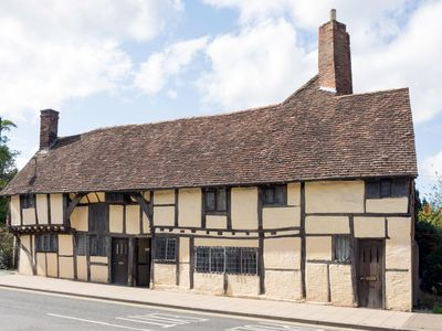 Photo for 3 MASONS COURT  The oldest house in Stratford Upon Avon, Warwickshire
