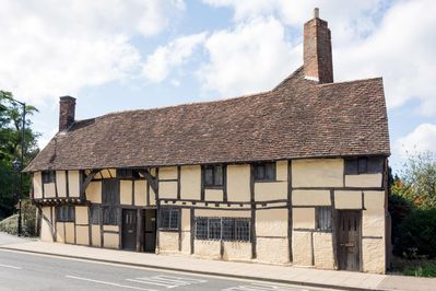 3 MASONS COURT The oldest house in Stratford Upon Avon, Warwickshire - City  Centre