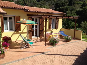 Search 807 holiday rentals