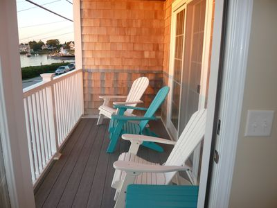 Photo for This condo is newly refurnished and tastefully decorated. Sleeps 4 - 6 comfortably.