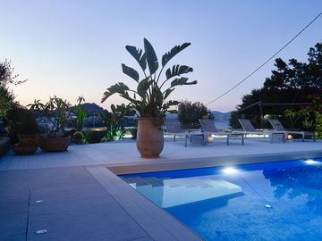 Impressive & well designed luxury villa with relaxation in mind
