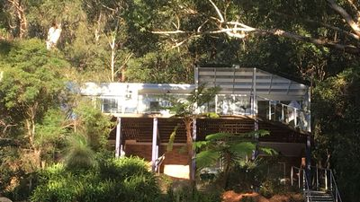 Photo for Daleys Pt Treehouse - tranquil coastal escape!