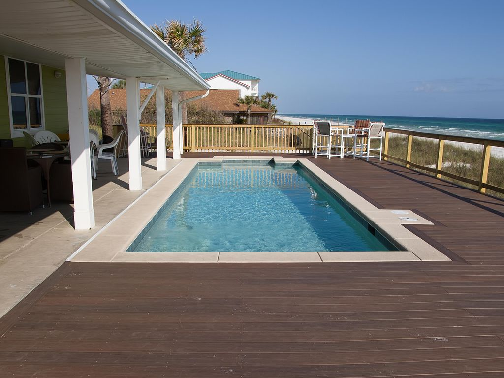 Private Home With Hot Tub On The Beach Charming