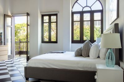 San Francisco Suite , 1 Bedroom in best location in Old San Juan with Plaza  View - San Francisco