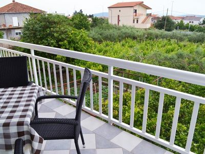Photo for Spacious Apt for 5 in Kastel Stari