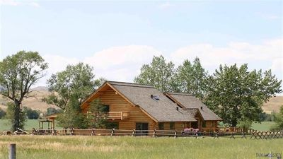 Photo for A spectacular log home with awe inspiring views