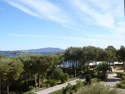 Photo for Apartment 1.1 km from the center of Bandol with Lift, Internet, Washing machine, Air conditioning (103365)