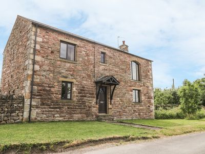 Photo for PINFOLD COTTAGE, pet friendly in Kirkby Stephen, Ref 970973